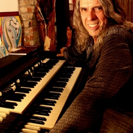 Bobby Whitlock - April 2011 (Photo: CoCo Carmel)