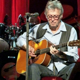 Eric Clapton at Nippon Budokan 6 Dec 2011 (Photo: Hiro Kamei)
