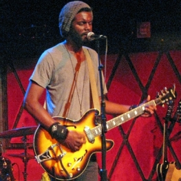 Gary Clark, Jr. at NYC's Rockwood Music Hall 10 Aug 2011 (Photo: Linda Wnek)