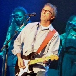 Eric Clapton with backing vocalists Michelle John & Sharon White - 26 Nov 2011