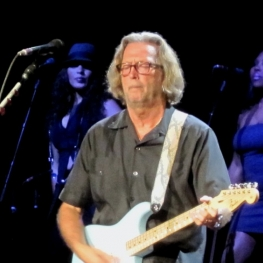 eric clapton dte energy music center detroit july 2010